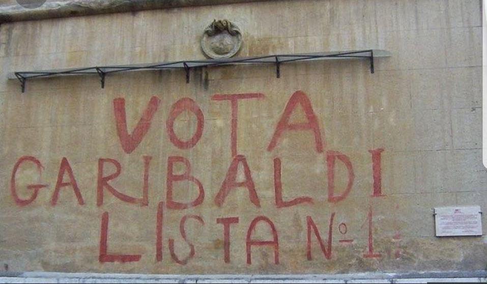 Roma El Equipo Antigraffitis Se Equivoca Y Borra Una